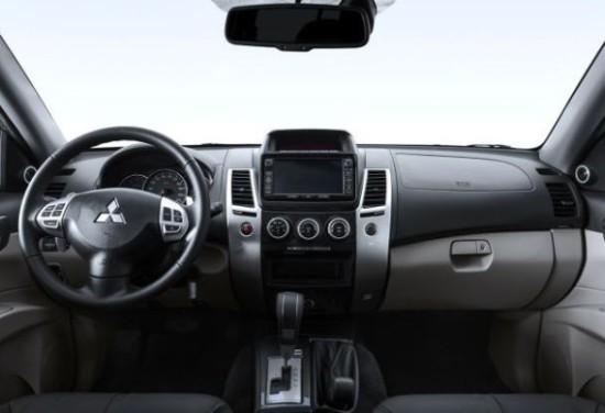 Mitsubishi Pajero Sport фото салона