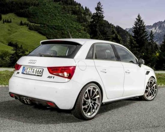 Audi A1 Sportback фото сбоку