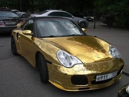 Porsche 911 Покрытый золотом