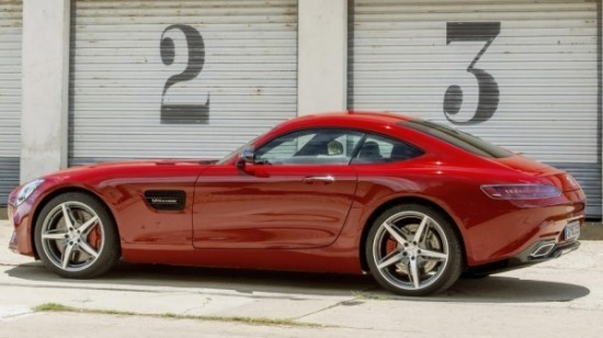 Mercedes-AMG GT фото сбоку