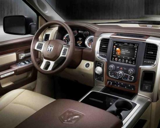 Dodge Ram 1500 фото салона