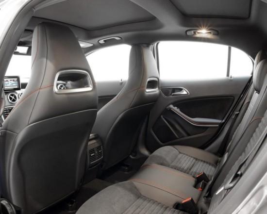 Mercedes GLA Задние сиденья