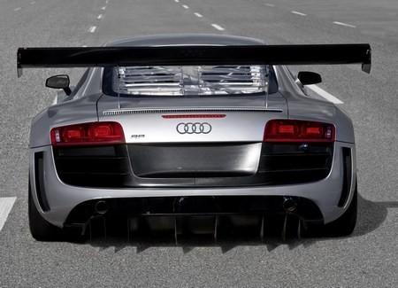 Audi R8 GT3 фото сзади