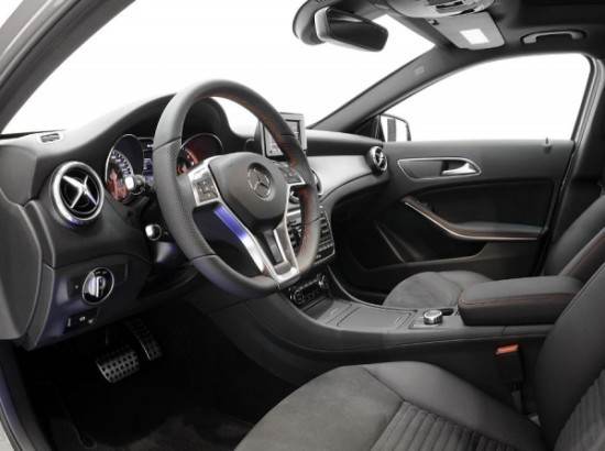 Mercedes GLA фото салона