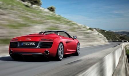 Audi R8 кабриолет фото сзади