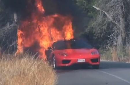 Футболист Эвер Банега потерял в огне спорткар