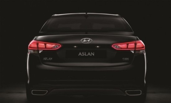 Hyundai Aslan вид сзади