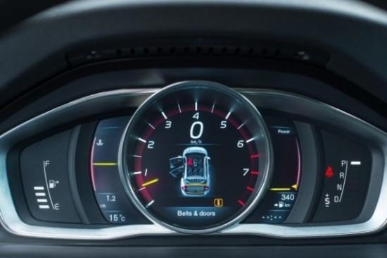 Volvo V60 фото панель приборов
