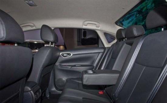 Nissan Sentra задние сиденья