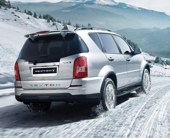 SsangYong Rexton фото сзади