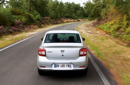 Renault Logan фото сзади