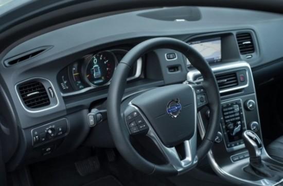 Volvo V60 фото салона