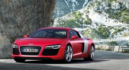 Audi R8 красный