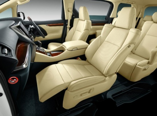 Toyota Alphard фото сидений