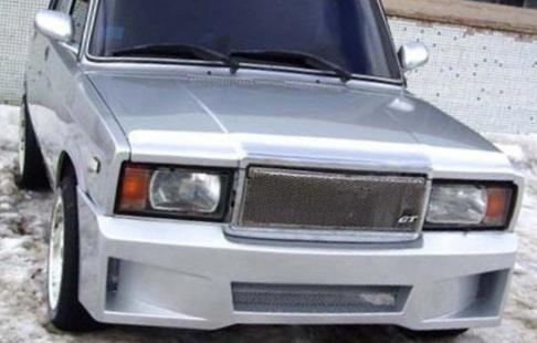 Недорогой тюнинг передней решетки радиатора ВАЗ 2107