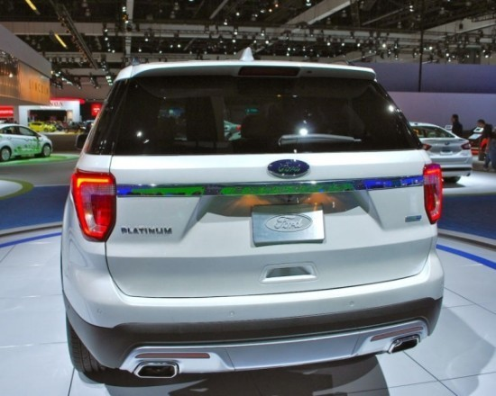 Ford Explorer фото сзади