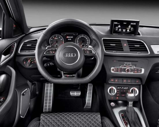 Audi RS Q3 фото салона