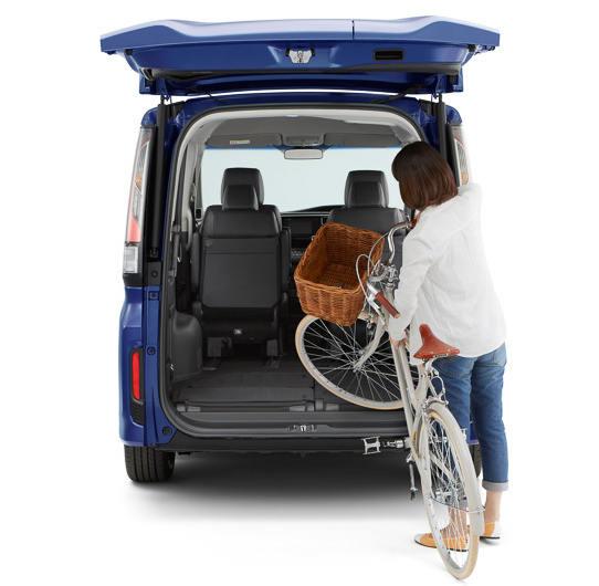 Honda StepWGN багажное отделение