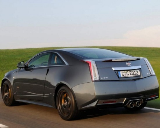 купе Cadillac CTS-V фото сзади