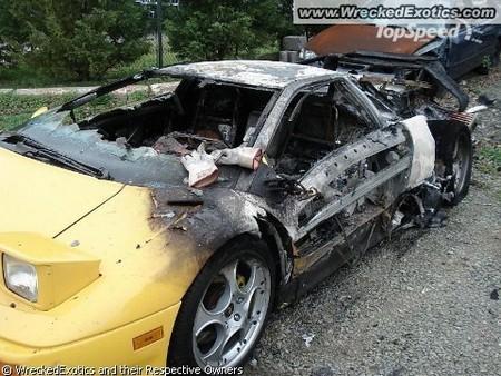 разбитый спорткар 4