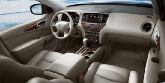 Nissan Pathfinder фото салона