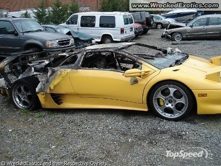 Галерея разбитых спорткаров1