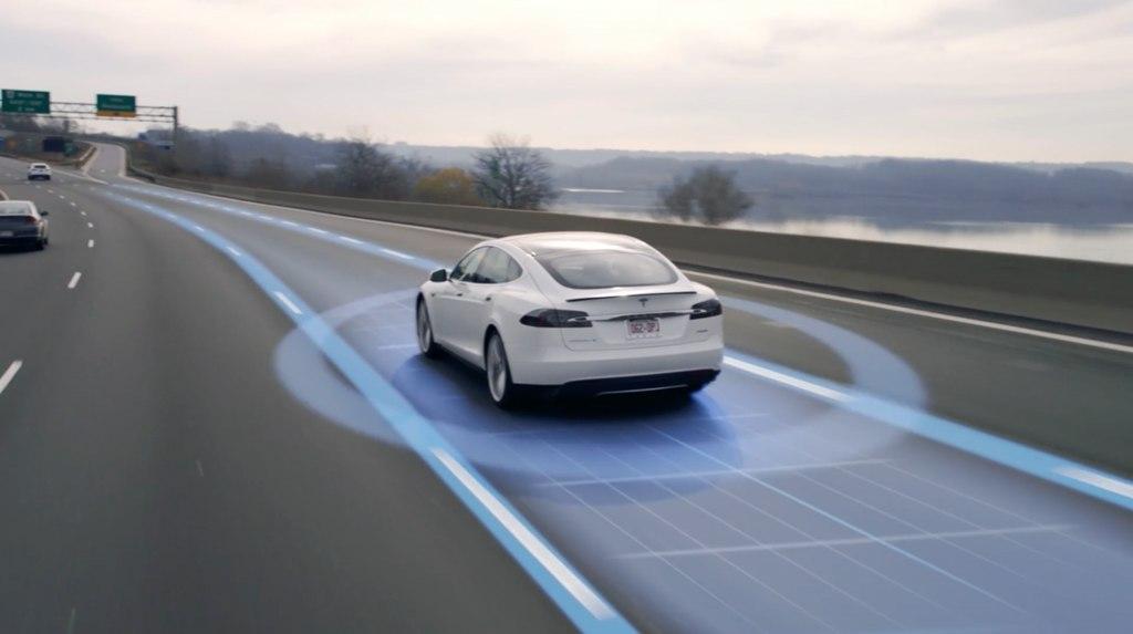 автопилот в Tesla
