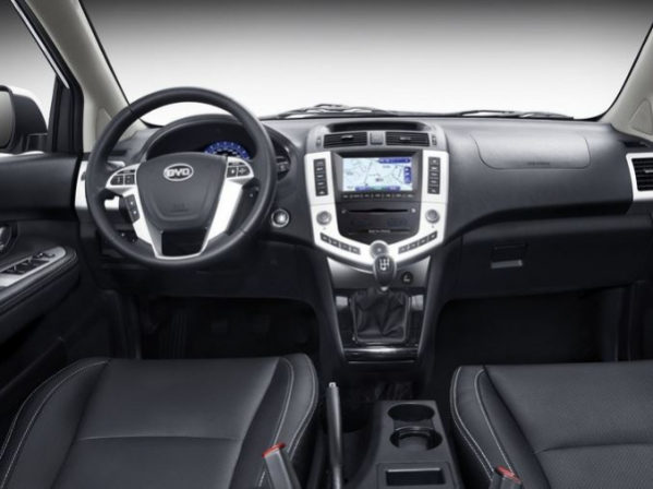 BYD S6 фото салона